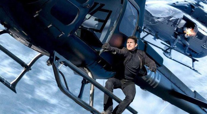 "Alt=""Tom Cruise hangs on in Mission Impossible 6"""
