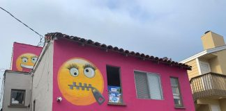 The hot pink emoji house in Manhattan Beach